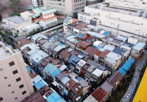 Shinjuku-Golden-Gai-in-the-morning